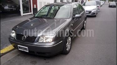 Foto venta Auto Usado Volkswagen Bora 2.0 Trendline MT (2006) color Gris precio $195.000