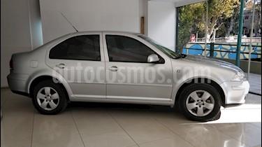 Foto venta Auto Usado Volkswagen Bora 2.0 Trendline Tiptronic (2010) color Gris Platinium precio $255.000