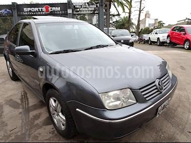 Foto venta Auto Usado Volkswagen Bora 2.0 Trendline (2005) color Gris Oscuro precio $175.000