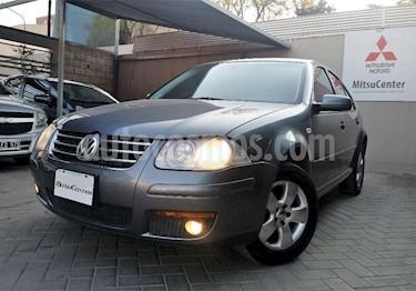 Foto venta Auto Usado Volkswagen Bora 2.0 Trendline (2010) color Gris Oscuro precio $219.000
