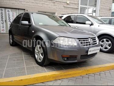 Foto venta Auto Usado Volkswagen Bora 2.0 Trendline (2010) color Gris Oscuro precio $219.900