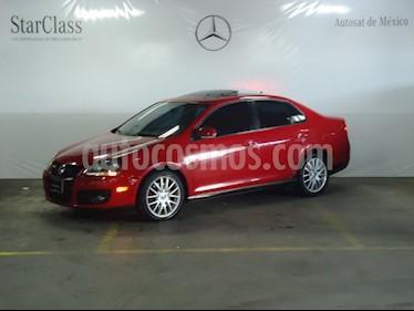 Foto venta Auto Seminuevo Volkswagen Bora 2.0L Turbo (2009) color Rojo precio $135,000