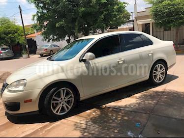 Foto venta Auto Seminuevo Volkswagen Bora 2.5L Sport Tiptronic (2006) color Blanco precio $89,000
