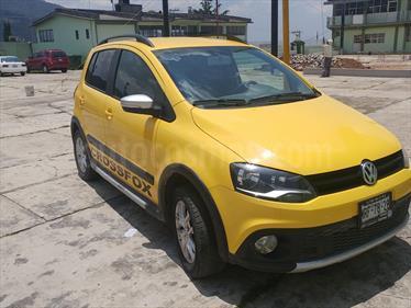 Foto venta Auto Seminuevo Volkswagen CrossFox 1.6L  (2014) color Amarillo Electrico precio $140,000