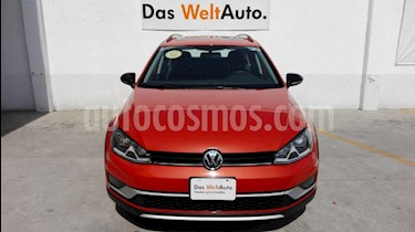 Foto venta Auto Seminuevo Volkswagen CrossGolf 1.4L (2017) color Naranja precio $315,000