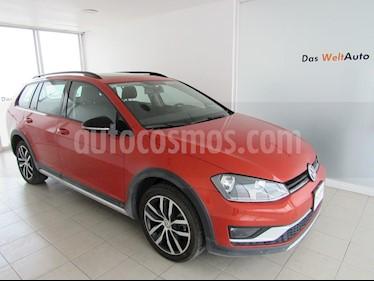 Foto venta Auto Seminuevo Volkswagen CrossGolf 1.4L (2017) color Naranja Metalico precio $315,000