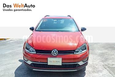 Foto venta Auto Seminuevo Volkswagen CrossGolf 1.4L (2017) color Naranja Metalico precio $335,000