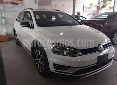 Foto venta Auto Seminuevo Volkswagen CrossGolf 1.4L (2017) color Blanco precio $269,000