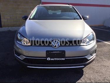 Foto venta Auto Seminuevo Volkswagen CrossGolf 1.4L (2017) color Plata Tungsteno precio $310,000