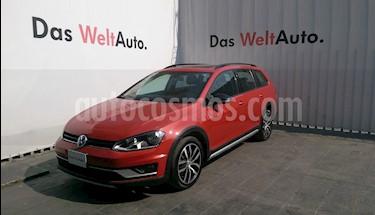 Foto venta Auto Seminuevo Volkswagen CrossGolf 1.4L (2017) color Naranja Metalico precio $280,000