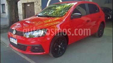 Foto venta Auto Usado Volkswagen Gol Trend 5P Comfortline (2017) color Rojo precio $306.000