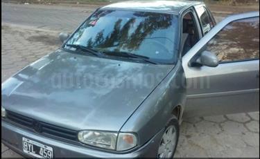 Foto venta Auto Usado Volkswagen Gol 5P 1.6 GLD (1998) color Gris precio $70.000