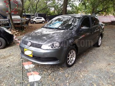 Volkswagen Gol Comfortline usado (2013) color Gris Quarzo precio $28.500.000