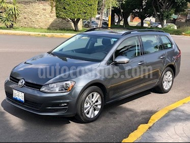 Foto venta Auto Seminuevo Volkswagen Golf Sportwagen 2.5L Tiptronic  (2016) color Gris precio $265,000