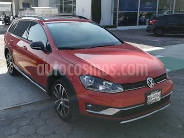 Foto venta Auto Seminuevo Volkswagen Golf 1.4 T (2017) color Rojo precio $295,000