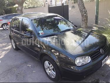 Foto venta Auto Usado Volkswagen Golf 5P 1.6 Comfortline (2005) color Verde precio $138.000