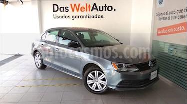 Foto venta Auto Seminuevo Volkswagen Jetta 2.0 (2018) color Gris Platino precio $245,000