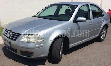 Foto venta Auto usado Volkswagen Jetta 2.0 (2009) color Plata precio $95,000