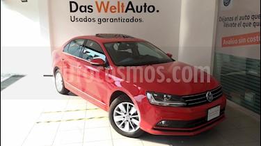 Foto venta Auto Seminuevo Volkswagen Jetta Comfortline Tiptronic (2017) color Rojo Tornado precio $275,000