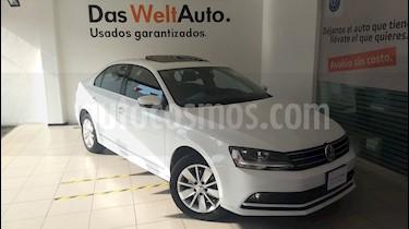 Foto venta Auto Seminuevo Volkswagen Jetta Comfortline Tiptronic (2017) color Blanco precio $275,000