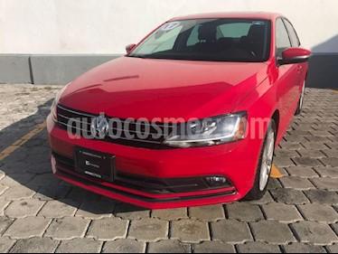 Foto venta Auto Seminuevo Volkswagen Jetta Comfortline (2017) color Rojo precio $302,000
