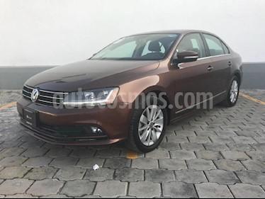 Foto venta Auto Usado Volkswagen Jetta Comfortline (2017) color Marron precio $238,000