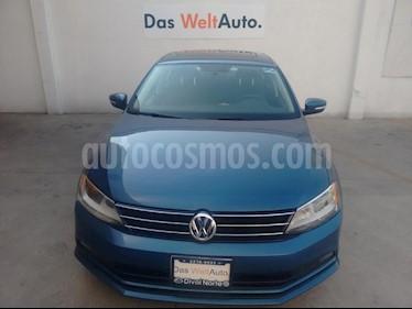 Foto venta Auto Seminuevo Volkswagen Jetta Comfortline (2017) color Azul precio $249,000