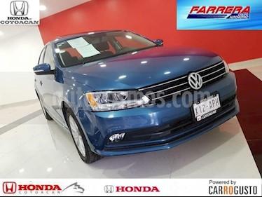 Foto venta Auto Seminuevo Volkswagen Jetta Comfortline (2015) color Azul precio $195,000