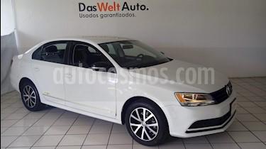 Foto venta Auto Seminuevo Volkswagen Jetta Fest (2017) color Blanco precio $232,900