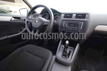 Foto venta Auto Seminuevo Volkswagen Jetta JETTA MK TRENDLINE 2.5 LTS (2015) color Plata precio $205,000
