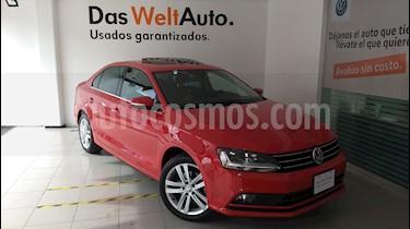Foto venta Auto Seminuevo Volkswagen Jetta Sportline (2017) color Rojo Tornado precio $295,000