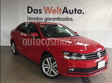 Foto venta Auto Seminuevo Volkswagen Jetta Sportline (2017) color Rojo precio $299,000