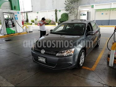 Foto venta Auto Seminuevo Volkswagen Jetta Style Active Tiptronic (2012) color Gris Platino precio $138,500