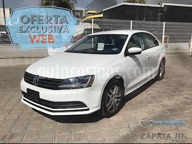 Foto venta Auto Seminuevo Volkswagen Jetta Trendline 2.0 Aut (2017) color Blanco Candy precio $235,000