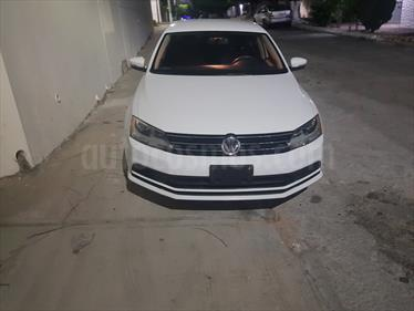 Foto venta Auto Seminuevo Volkswagen Jetta Trendline Tiptronic (2016) color Blanco Galaxia precio $214,999