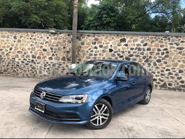 Foto venta Auto Seminuevo Volkswagen Jetta Trendline Tiptronic (2017) color Azul precio $260,000