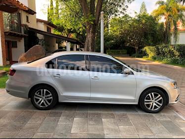 Foto venta Auto usado Volkswagen Jetta Trendline (2016) color Plata precio $199,000