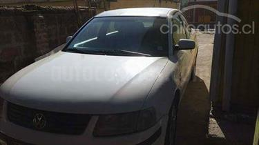 Foto venta Auto usado Volkswagen Passat 1.8 Turbo Tiptronic  (2000) color Blanco Nieve precio $2.600.000