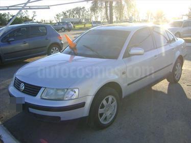 Foto venta Auto Usado Volkswagen Passat 1.8 Turbo (1998) color Gris Claro precio $120.000