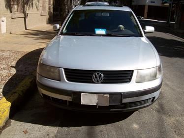 Foto venta Auto Usado Volkswagen Passat 1.8 Turbo (2000) color Gris Claro precio $48.000