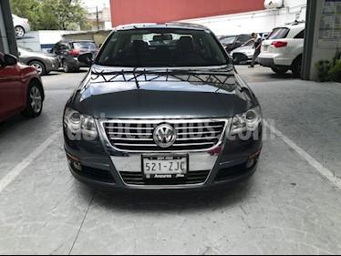 Foto venta Auto Usado Volkswagen Passat 2.0 Lujo (2010) color Gris precio $150,000