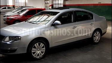 Foto venta Auto Usado Volkswagen Passat 2.0 TSi Advance DSG (2010) color Gris Urbano precio $349.000