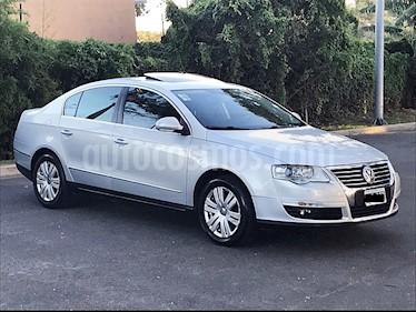 Foto venta Auto Usado Volkswagen Passat 2.0 TSi Exclusive Tiptronic (2010) color Gris Iceland precio $399.000