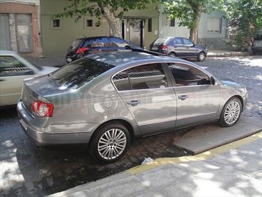Foto venta Auto Usado Volkswagen Passat 3.2 FSi Highline Aut 4Motion (2007) color Gris Oscuro precio $299.500
