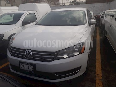 Foto venta Auto Seminuevo Volkswagen Passat Tiptronic Comfortline (2015) color Blanco Candy precio $239,000