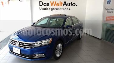 Foto venta Auto Usado Volkswagen Passat Tiptronic Highline (2017) color Azul precio $365,000