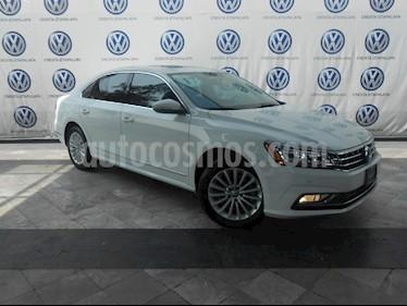 Foto venta Auto Usado Volkswagen Passat Tiptronic Highline (2017) color Blanco precio $379,000