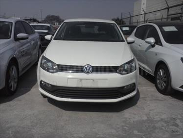 Foto Volkswagen Polo 1.6L Base 4P Ac