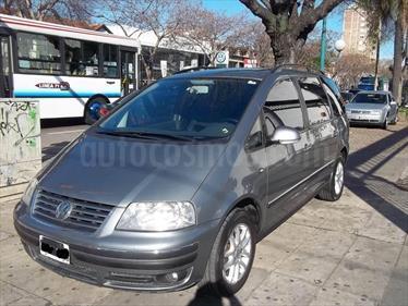 Foto venta Auto Usado Volkswagen Sharan 1.9 TDi Trendline Tiptronic Cuero (2006) color Gris