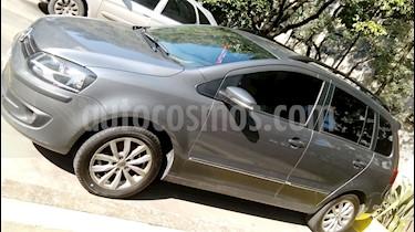 Foto venta Auto Usado Volkswagen Suran 1.6 Highline I-Motion (2013) color Gris Vulcano precio $300.000